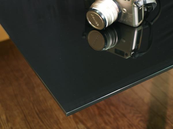 ブラック強化ガラステーブル