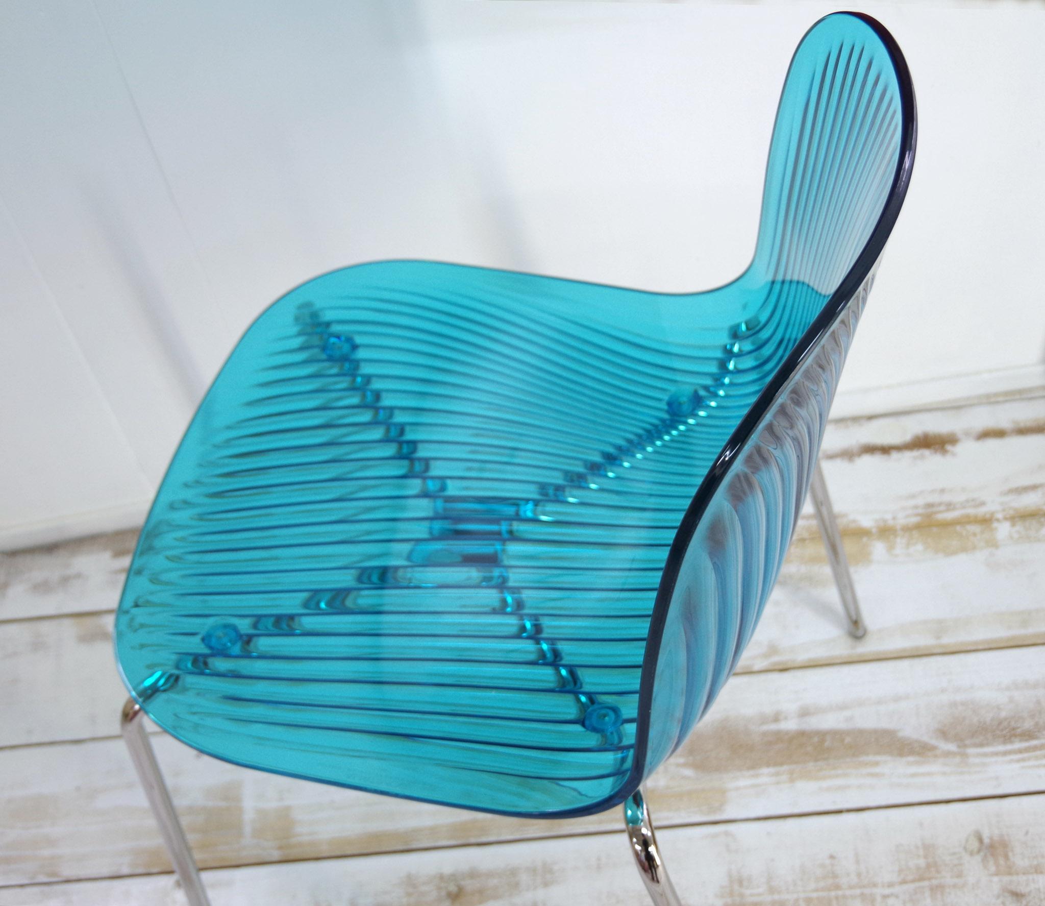 カフェで人気の椅子